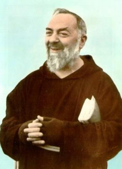 Padre Pio souriant