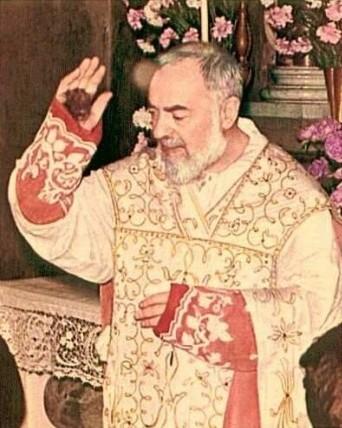 Saint Padre Pio, Prêtre capucin italien stigmatisé